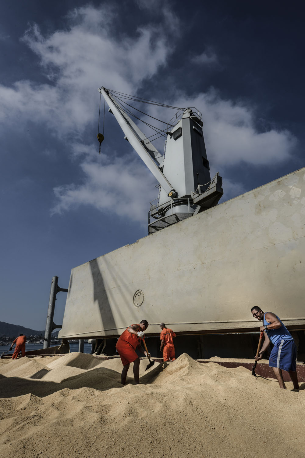 Soybeans are loaded to be exported, Santos Port, Brazil. Bloomberg USA.